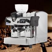 Kaffeemaschine mit Kaffeemühle TAM-KM1630